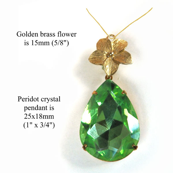 necklace design idea featuring peridot green crystal pendant and golden brass flower link