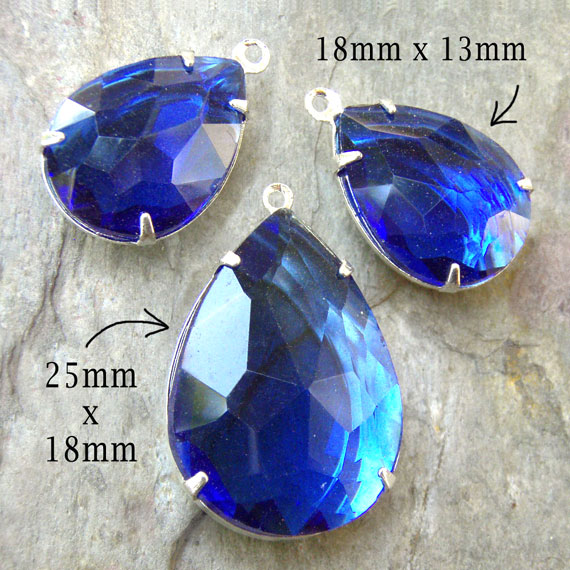 sapphrie blue glass teardrop jewels - pendant and earrings set