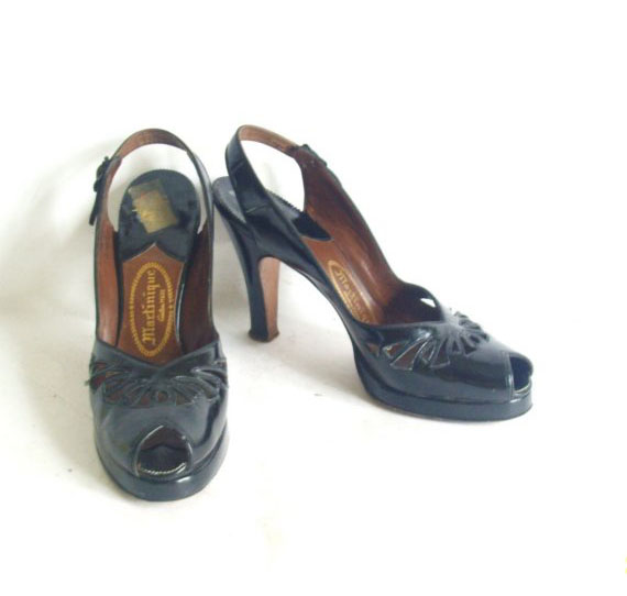 vintage 1940s black peep toe slingback pumps