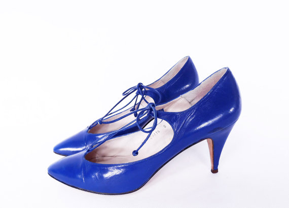 vintage electric blue leather pumps by Caressa
