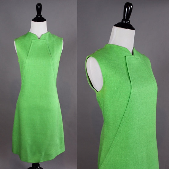 Vintage sleeveless full skirted green dress