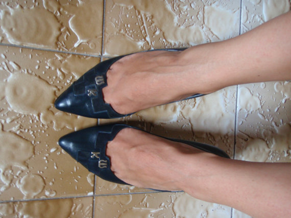 Vintage Navy Pumps