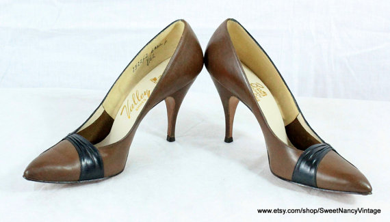 vintage two tone stiletto pumps